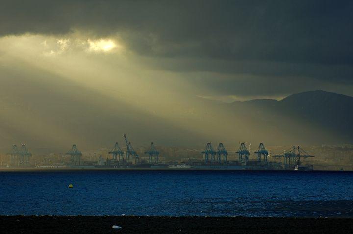Crepuscular rays - Rod Jones Photography