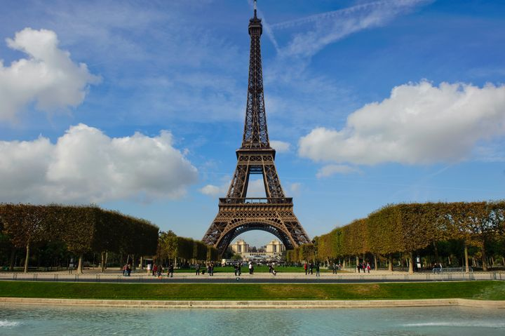 Eiffel Tower, Pl. Jacques Rueff - Charel Schreuder Photography