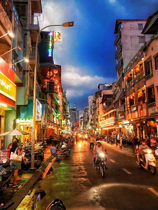 Ho Chi Minh City at Night - Crafitty