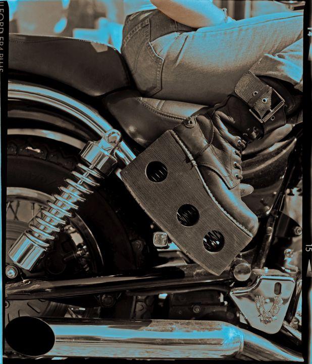 rockboot-biker - Roger Dorey