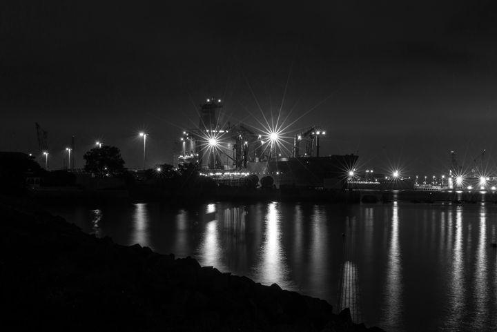 Night Works - Foto By Rudy
