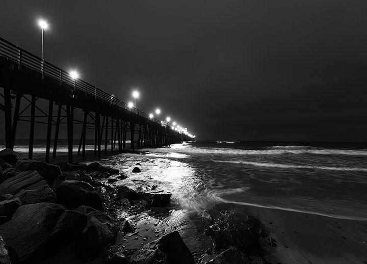 Oceanside Night - Foto By Rudy