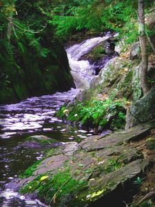 Smaragdine Waterfall