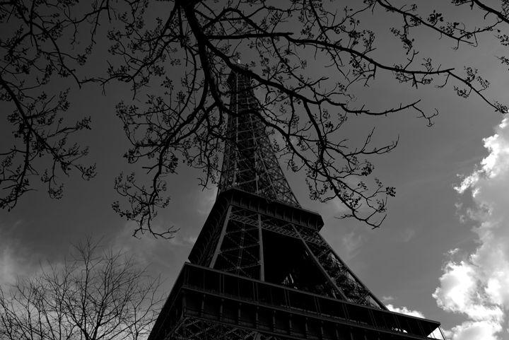 Another day in Paris - Natalie Kerman