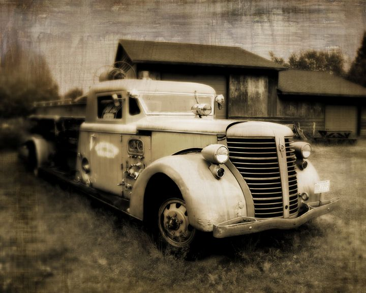 Vintage Fire Truck - Perry Webster Photography