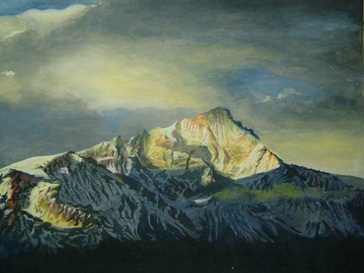 SNOWCAP MOUNTAIN - R K Chandawarkar