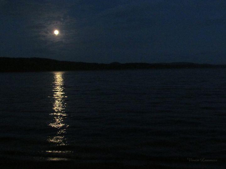 Full Moon 276 - Viveca Lammers