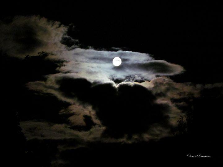 Moon 53 - Viveca Lammers