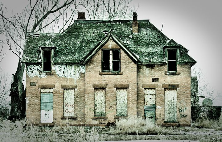 Abandoned Historic Home - A & B Martin Photography