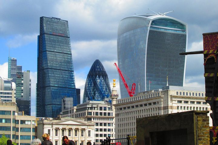 London Financial district buildings. - Timawells