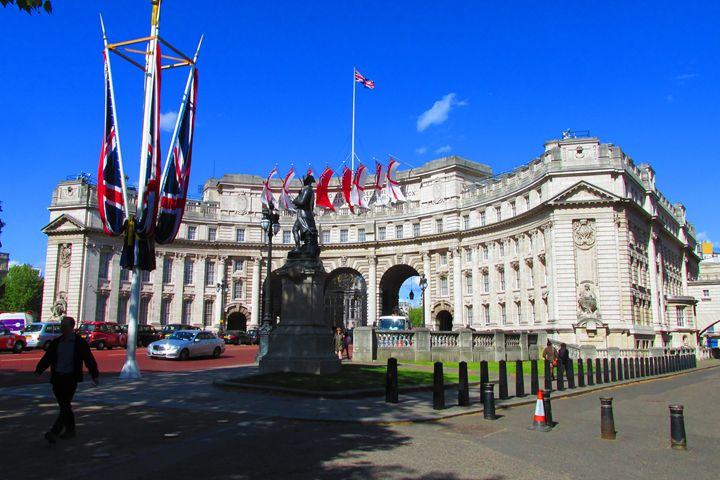 Admiralty Arch London. - Timawells