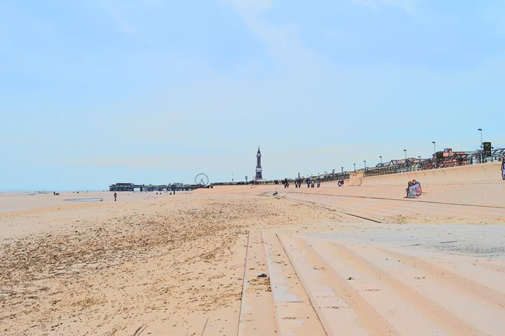 Blackpool beach, pier, tower, wheel - Timawells