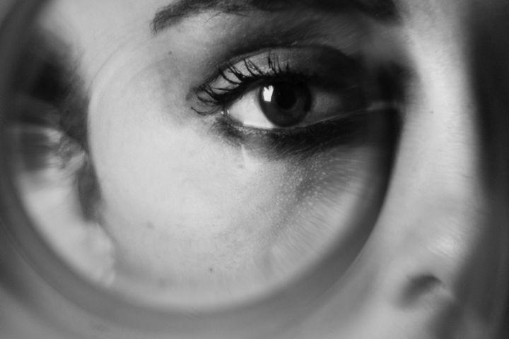 female.focused004 - daerICo