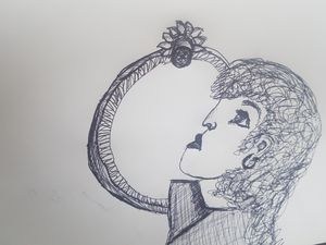 Lady the mirror