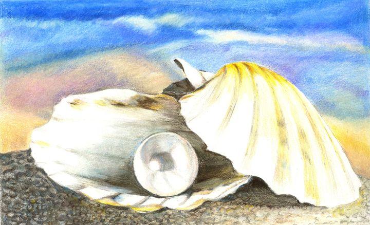 Seashell with pearl. - Tatiana Lind