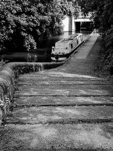 The slumbering barge