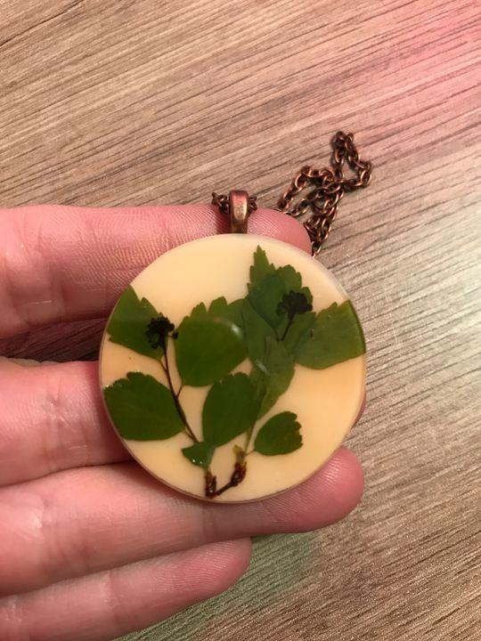 Pressed Flower Necklace - Amaranthine Glass