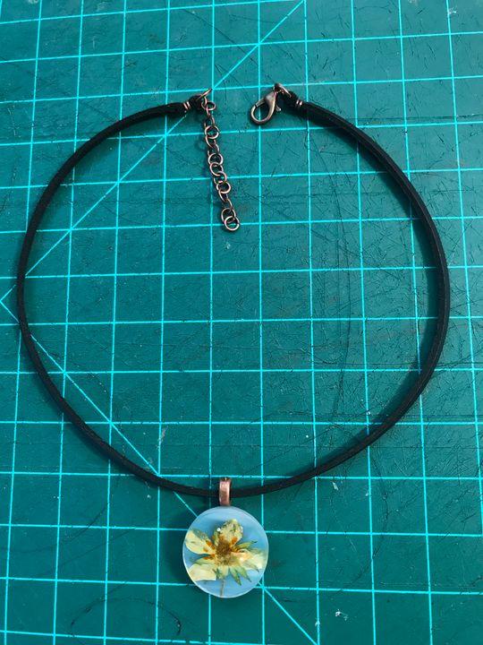 Pressed Flower Choker Necklace - Amaranthine Glass