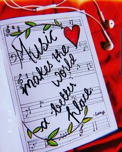 Music makes te