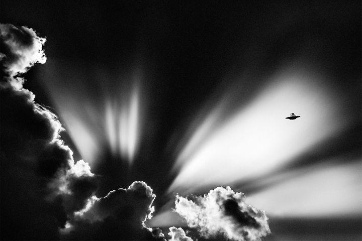 Ufo 1 - João Bizarro