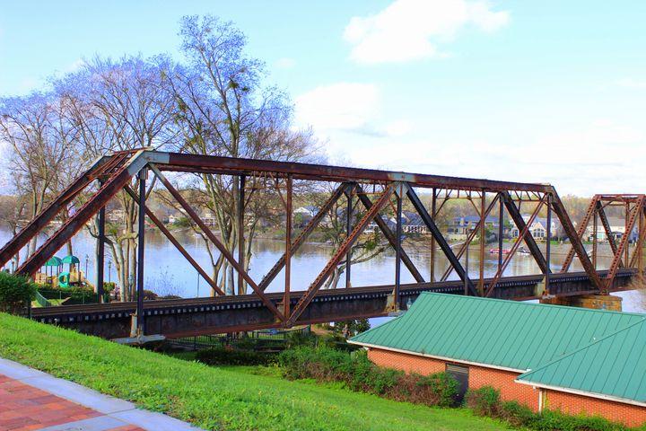 Savannah RiverWalk - Jade Ellyette