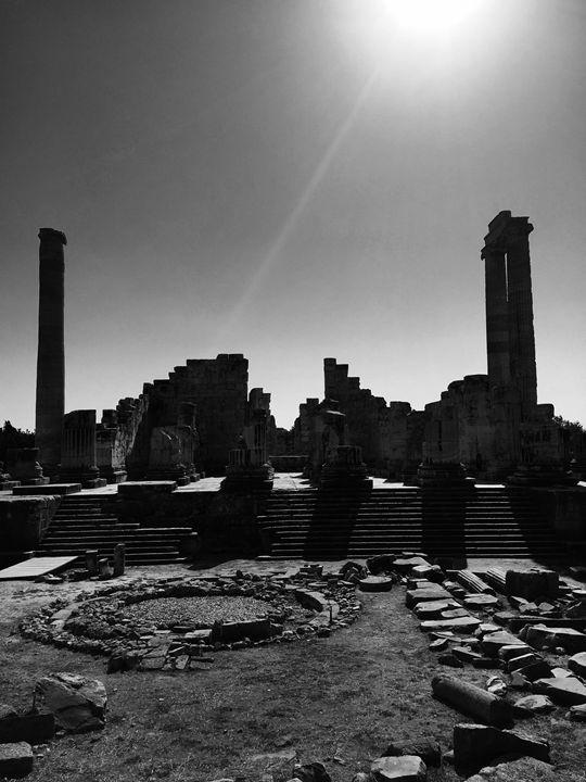 Main complex The Temple of Apollo - Rif Maria photography