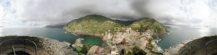Vernazza, Cinque Terre, Italy - DeGrand Photography