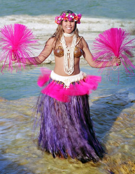 Eileen, Polynesian Dancer, Ingram TX - DeGrand Photography
