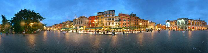 Piazza Bra, Verona, Italy - DeGrand Photography