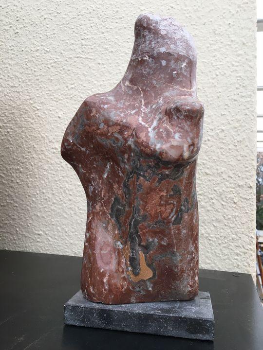 Le beau parleur, marbre rouge Rance - Jacques et Françoise Beck