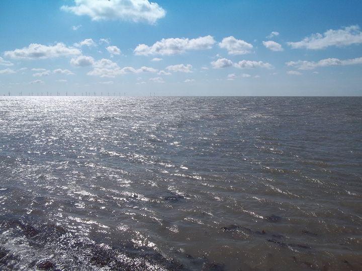 Clacton Waves - Nioami.