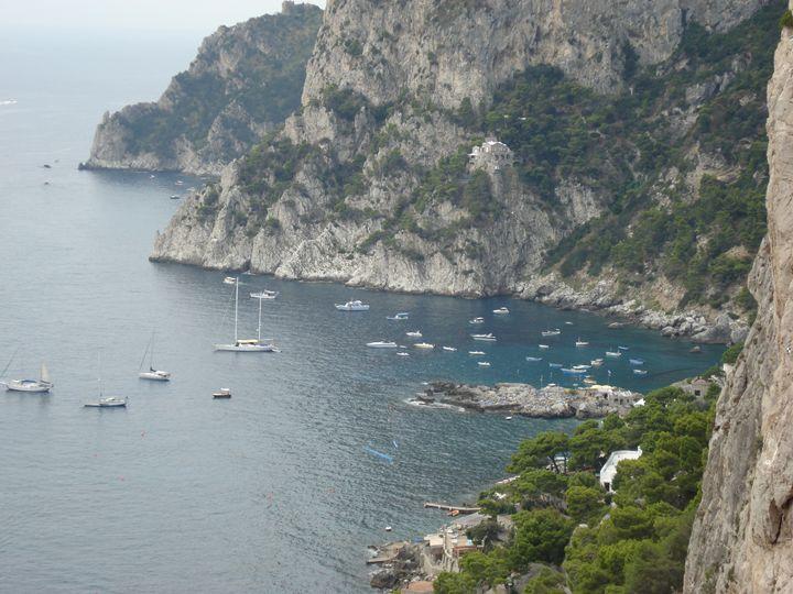 Island of italian - Surreal art and fashion