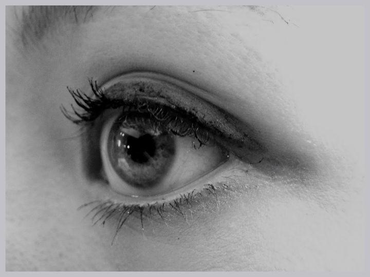 An Eye - Bernadette Doyle Art