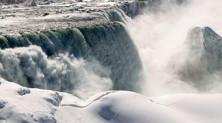 Frozen Niagara Falls 1 - Jessica Roberto