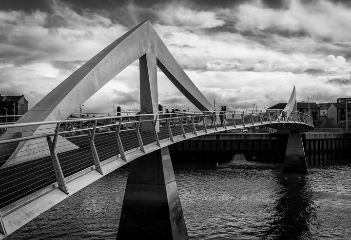 Squiggly Bridge - Pete Diako