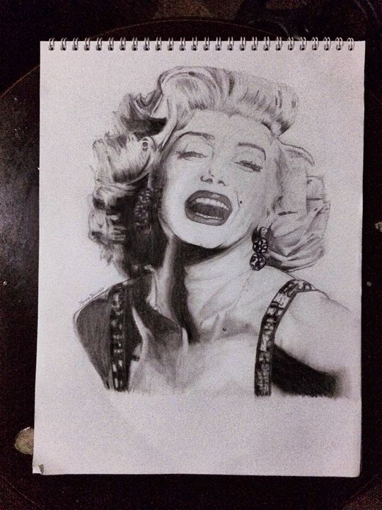 Marilyn Monroe - Nicole Traballo