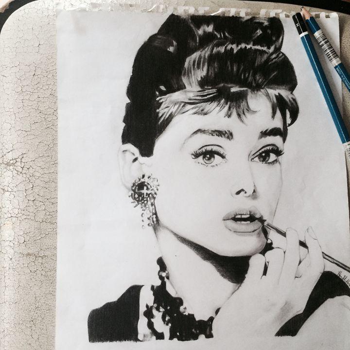 Audrey Hepburn - Nicole Traballo