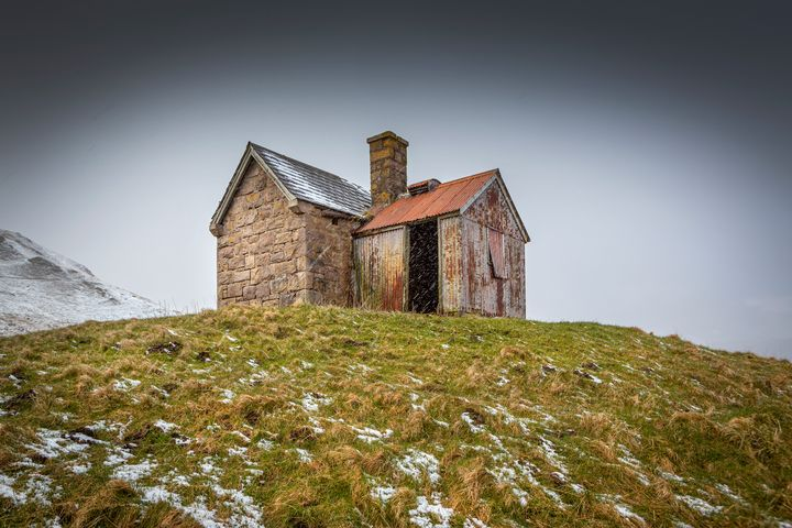 Snowswept cottage - Dave Hare Photography