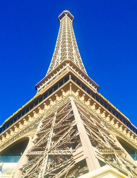 La Tour - Art Photos