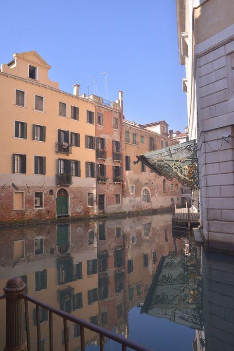 la fenice di venezia - Valentine Bow art