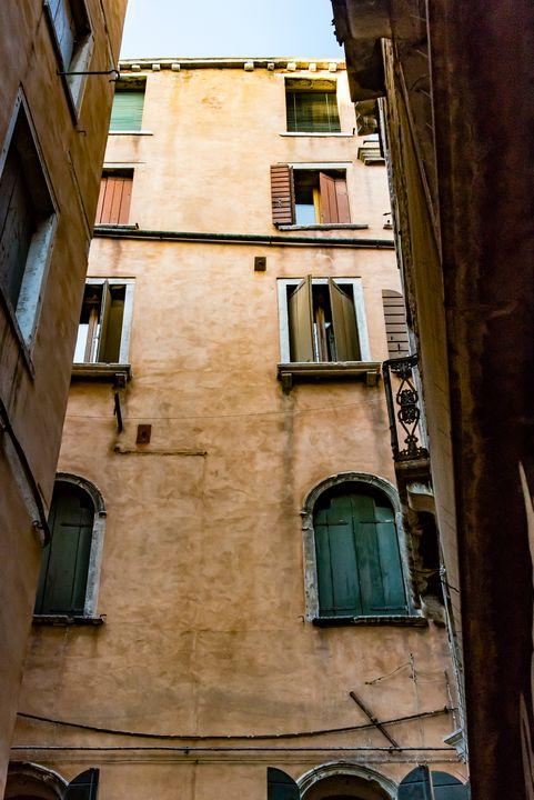 Windows of Venice 08 - Eva Bane