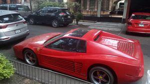 Ferrari rojo Clásico cdmx