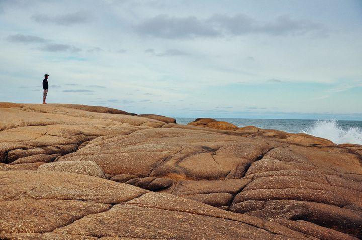 Gazing at the waves - Diego Llarrull