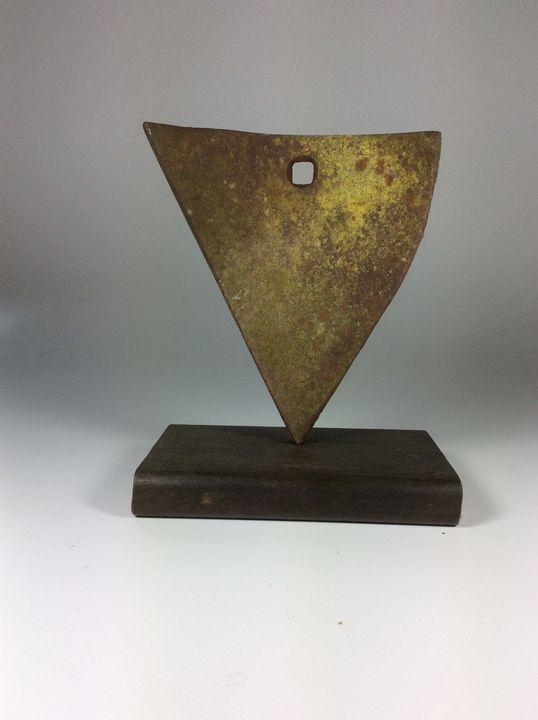 Curved Triangular Form - ReductReform