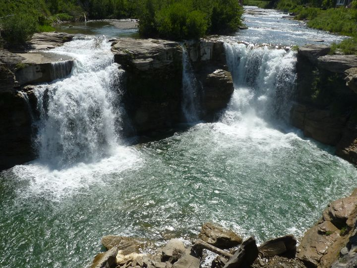 Lundbreck Falls, Alberta - Awesome Nature