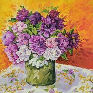 PURPLE FLOWERS IN GREEN VASE