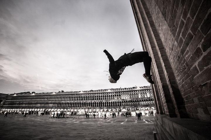 Backflip in San Marco square Venice - Dalibor Balic
