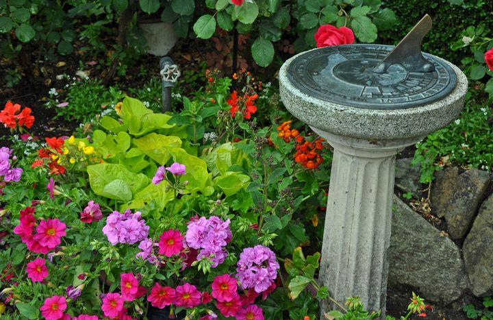 Sundial garden - Perl Photography