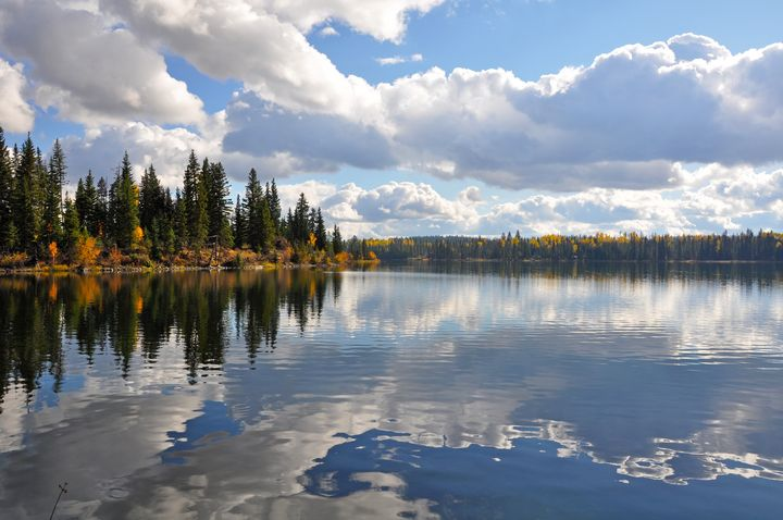 Reflective lake and clouds - Perl Photography