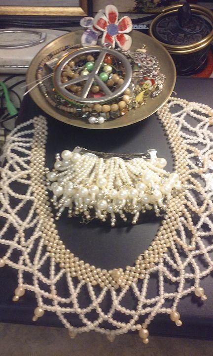 vintage pearls - Castor Gallery